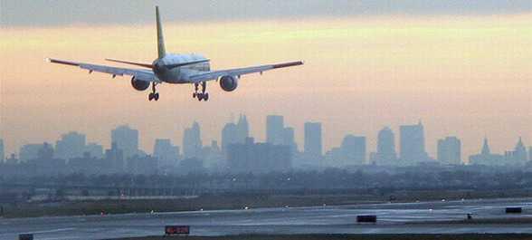 улетающий самолет